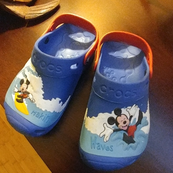 6a73ca32e9cc1 CROCS Other - Disney Kids Mickey Mouse Surf Crocs J3